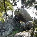 Arche ou toit en Tafoni sur éperon rocher ; Tour archaïque ?
