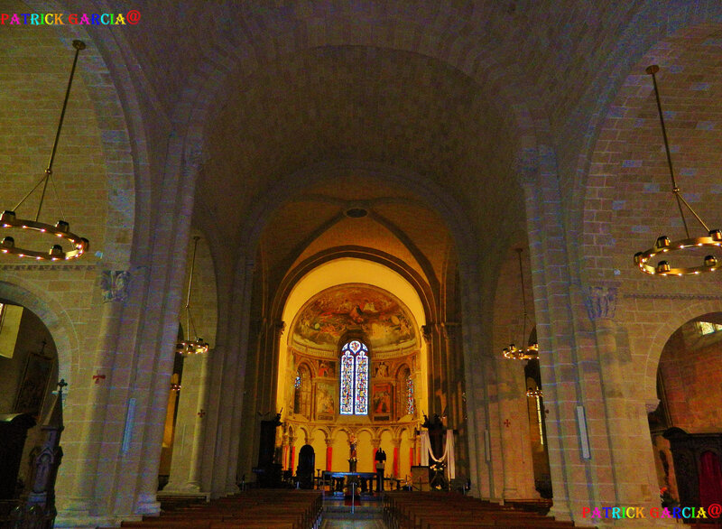 LESCAR-64-CATHEDRALE INTERIEUR-NEF-64 copie