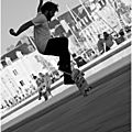 Session skateboard sur le port de vannes