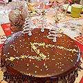 Entremet mousse chocolat et ganache vanille-chocolat blanc sur un biscuit amande (mon gâteau de noël)