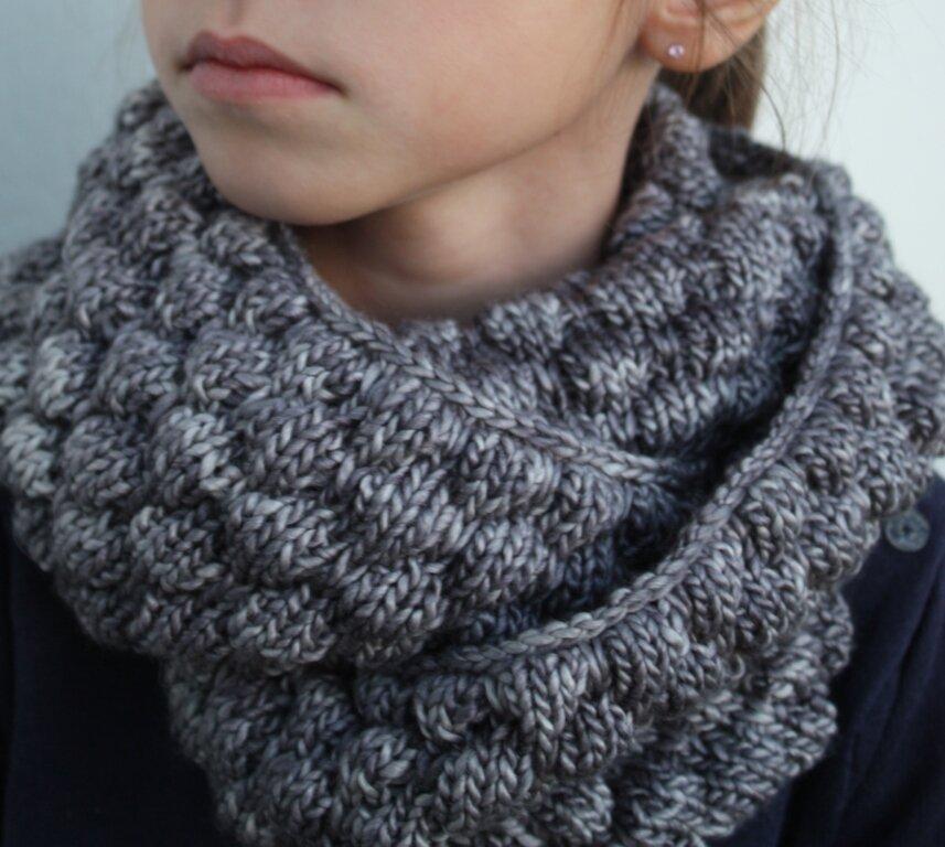 tricoter un snood fin