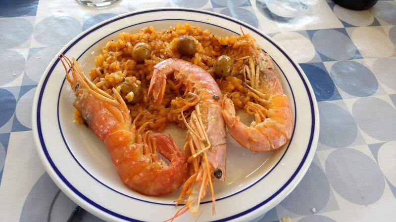 Gambones et riz à la sauce piquante des Caraïbes