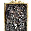 L'annonciation : baiser de paix en jais ou ambre noire. galice, saint-jacques de compostelle. epoque xvème