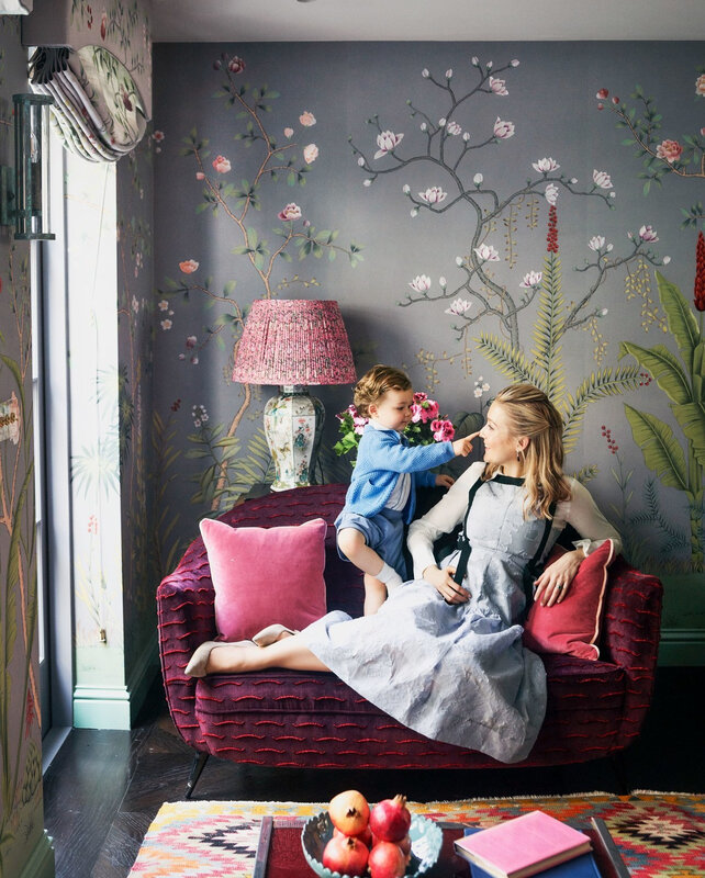 Colorful wallpapered home in London photos by Douglas Friedman (6)