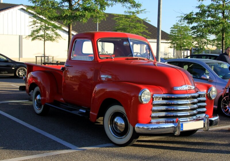 Chevrolet 3100 pick-up de 1949 (Rencard du Burger King juin 2010) 01