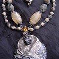 Collier gris beige granite