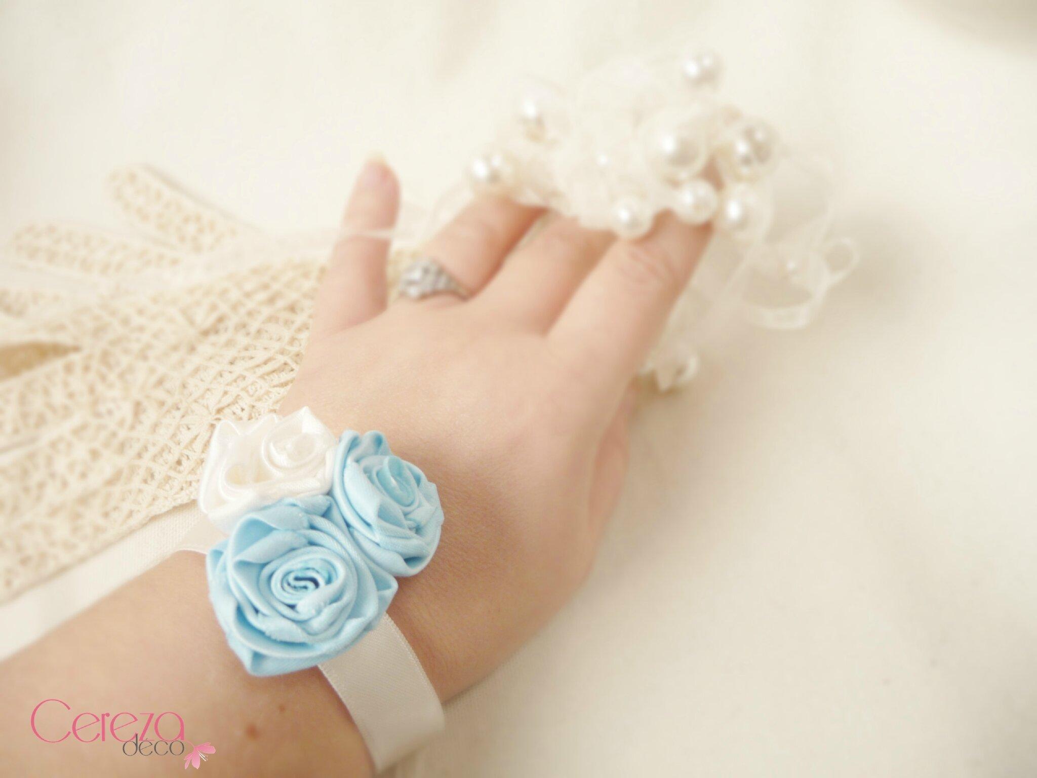 bracelet fleur bijou mariage ivoire bleu ciel poudré dusty cereza deco