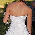 Bijou de dos mariage : pendentif de dos original et long sur une mariée