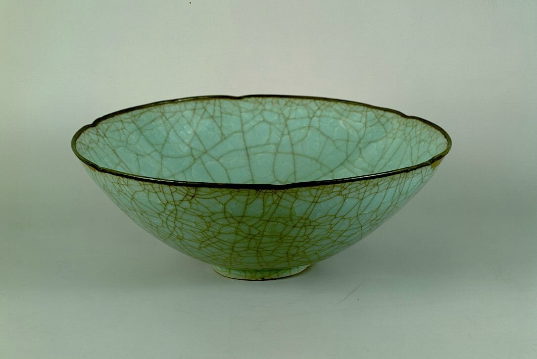 Celadon glazed foliate bowl, Guan Ware, Southern Song Dynasty, 12th - 13th century