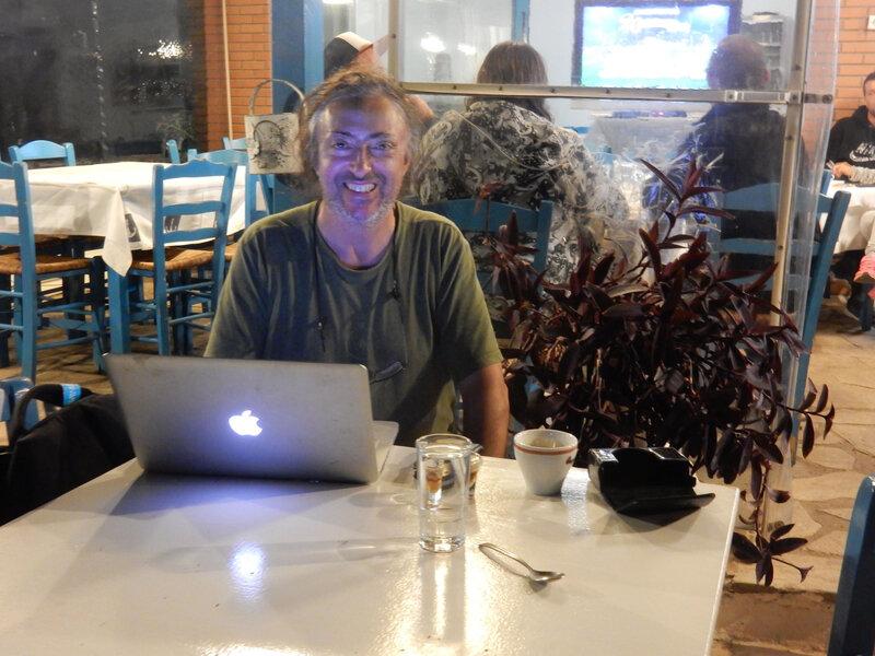 Nisis Trisonia Café, Metaxa et travail pour Philippe 291018 DSCN8600