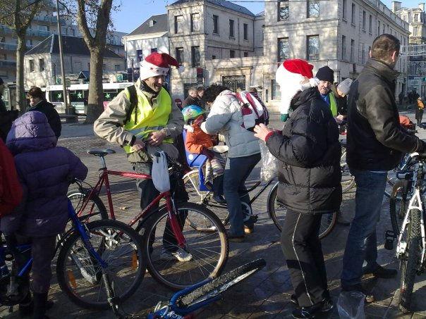Pères Noël vélorutionnaires