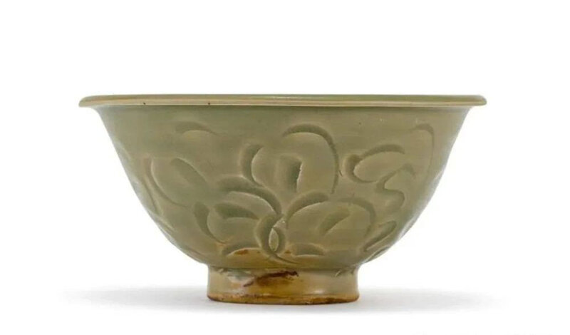A carved Yaozhou celadon bowl, Northern Song dynasty (960-1127)