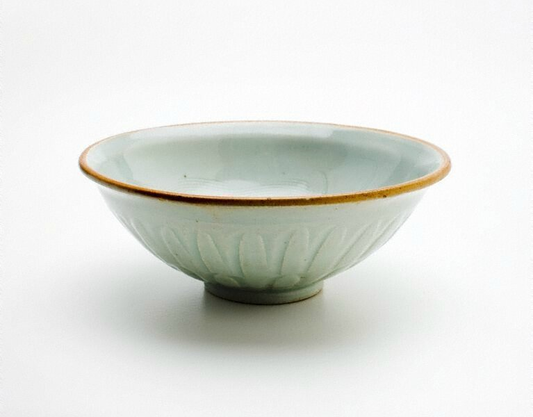 Bowl, China, Song dynasty (960 - 1279) - Yuan dynasty (1279 - 1368), porcelain with 'qingbai' glaze and incised decoration, 6.3 x 17.0 cm (irreg.). Gift of Dr John Yu and Dr George Soutter 2006. 207.2006. Art Gallery of New South Wales, Sydney (C) Art Gall