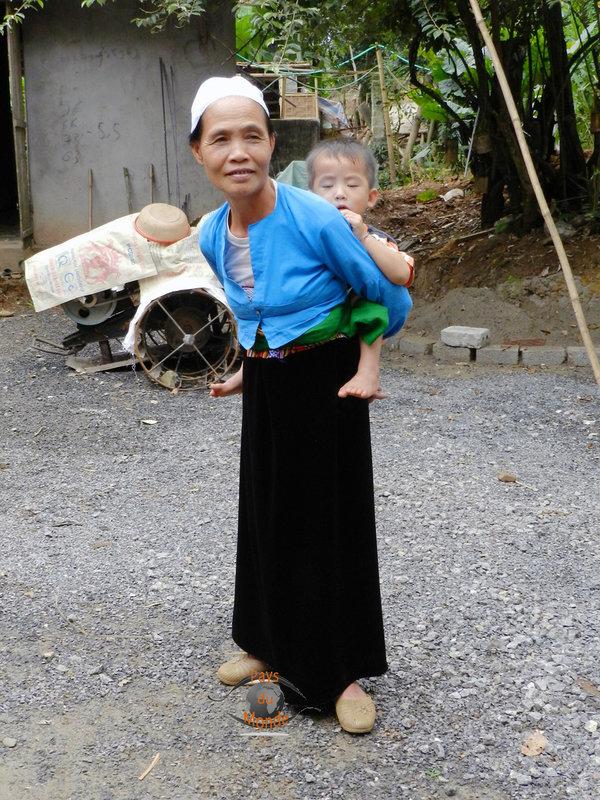01-06-Flo-village des Muong Thailande