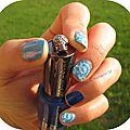 Manucure bleu aquatique