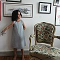 Robe bleue à fleurs rouges 6 ans