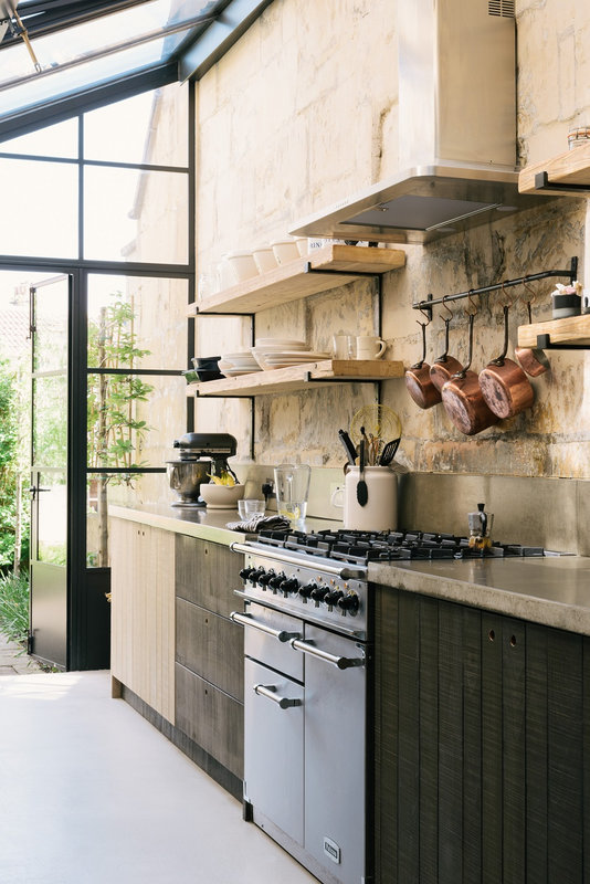 A-Cooks-Kitchen-That-Combines-a-Modern-Rustic-Aesthetic-With-Industrial-Style-carole king 3