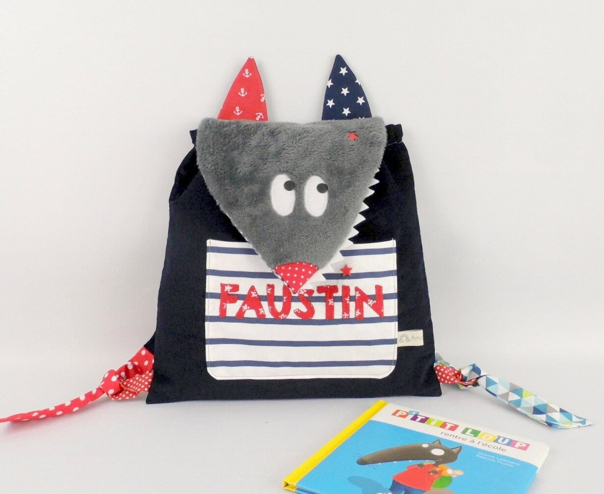 Sac à dos garçon personnalisé prénom Loup Faustin bleu marine rouge blanc style marin navy and red toddler backpack personnalized name Wolf