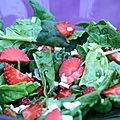 Salade aux pousses d'épinards et aux fraises