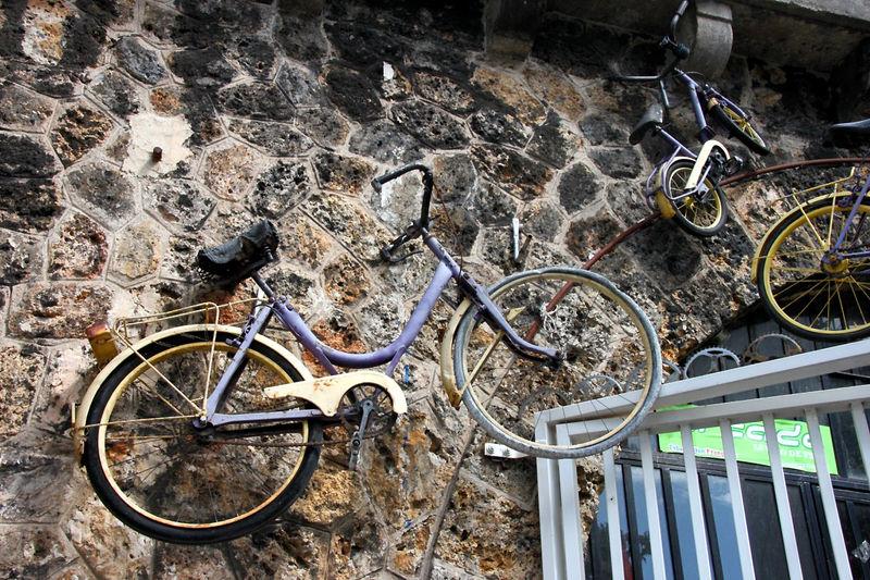 vélos suspendus (villette)_2297