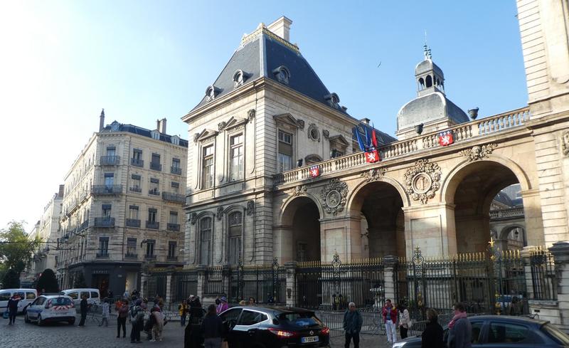 Lyon 156