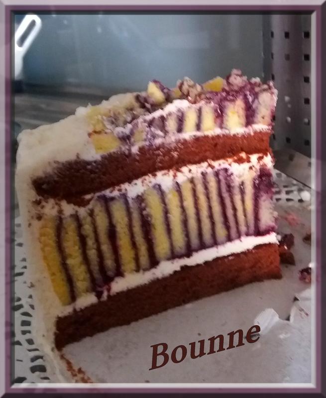 gâteau figurine femme robe