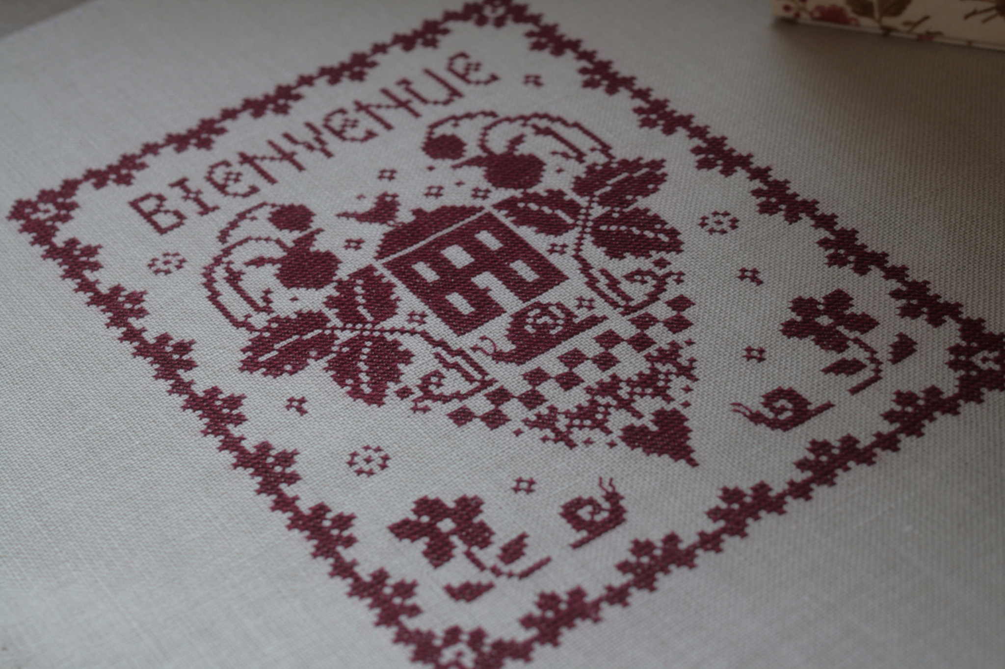 Broderie rouge ...toujours