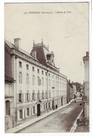 24 - BERGERAC - L'Hotel de Ville