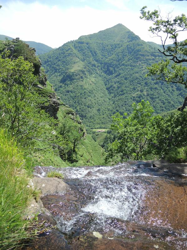 I) Penas d'Itxusi, cascade Regata de Itsusi et vallée d'Aritzakun(64)