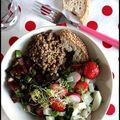 Salade printanière, vinaigrette à la purée de sésame