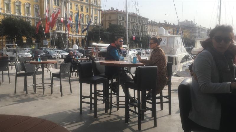 Rijeka (Croatie), la terrasse du Boonker sur le port, 11 mars 2021 - 1 (auteur author Philippe Bensimon)