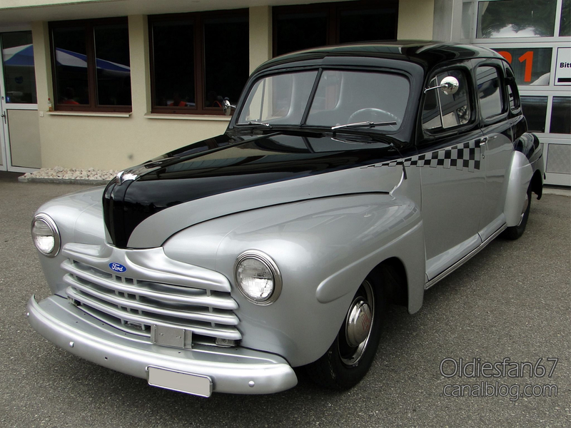 Ford Fordor custom 1946-1947-01
