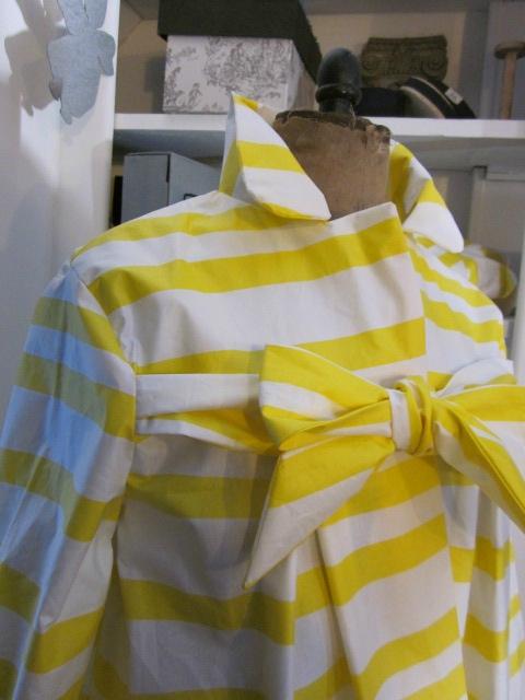 Ciré AGLAE en coton enduit à rayures vagues jaune et blanc (5)