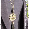 Sautoirs Orphée noir porté plaqué or