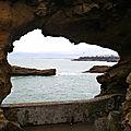 Biarritz, Rocher de la Vierge, le trou
