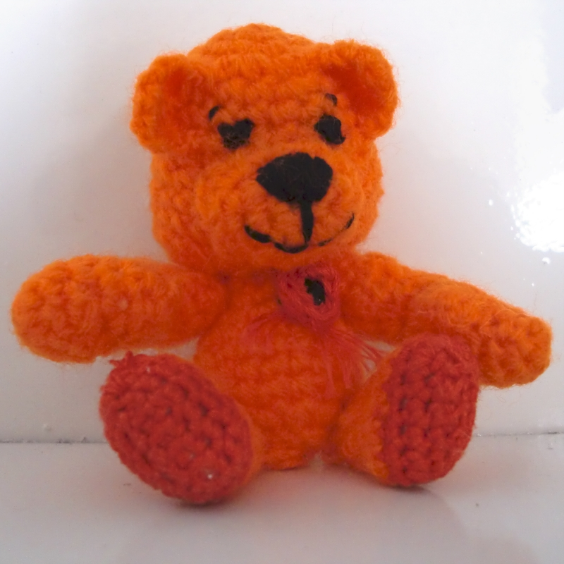 mini ours orange (amigurumi)