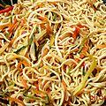 Nouilles asiatiques : 2 versions, végétariennes ou au poulet