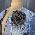 Broche fleur EVELYNE en lin brun (3)