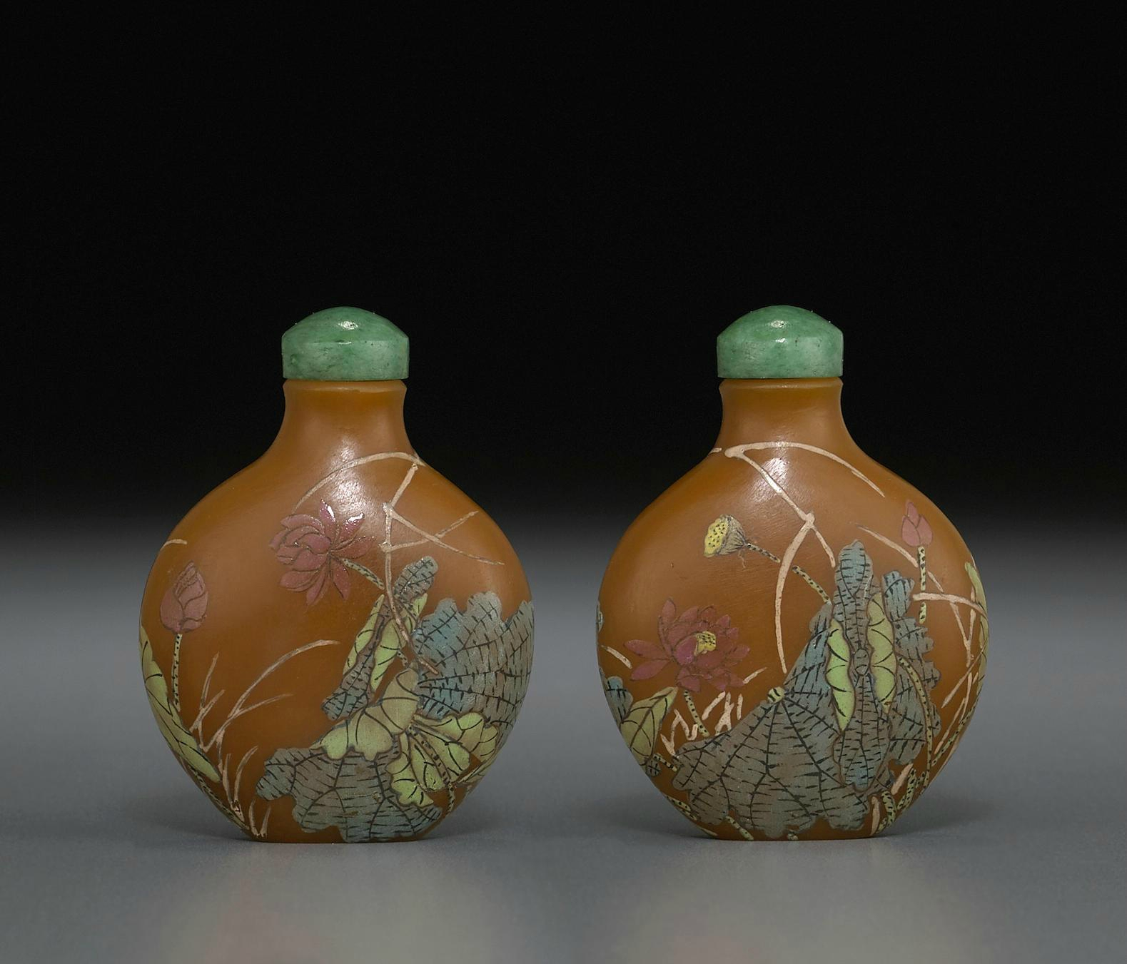 A rare enameled caramel glass snuff bottle, Guyue Xuan mark, 1770-1799