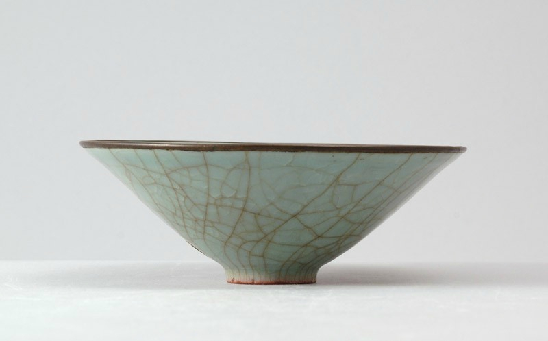 Greenware bowl in the style of Guan ware, 13th century, Southern Song Dynasty (1127 - 1279)