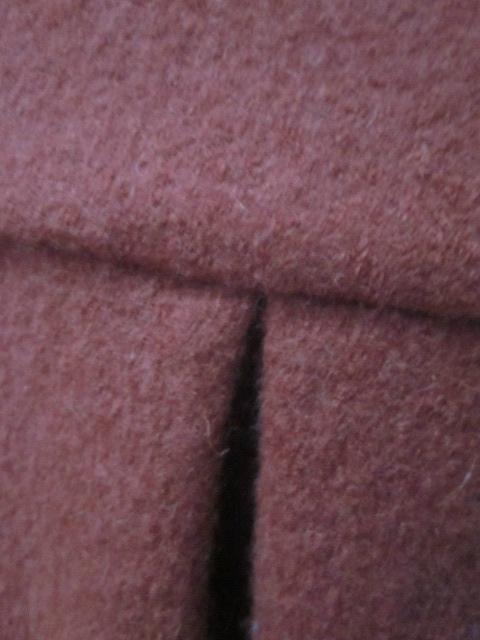 Manteau AGLAE en laine bouillie terre battue fermé par un noeud (1)