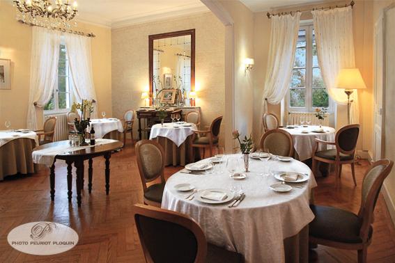 CAZAUBON_Chateau_BELLEVUE_salle_de_restaurant