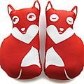 paapii-design-red-fox-pillow