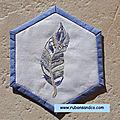 Hexagone n°43: la plume brodée