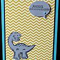 25. turquoise, jaune et gris - dinosaure