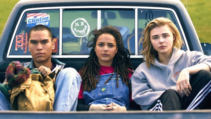 Desiree-Akhavan-Come-as-You-Are-avec-Chloë-Grace-Moretz-Sasha-Lane-John-Gallagher-Jr-e1532713748524