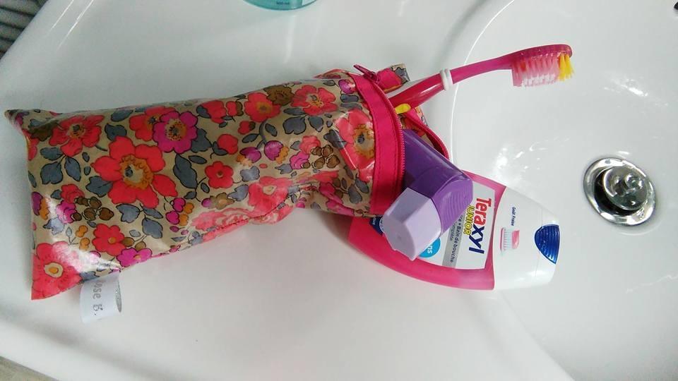 Range brosse à dents compact pour départ en we