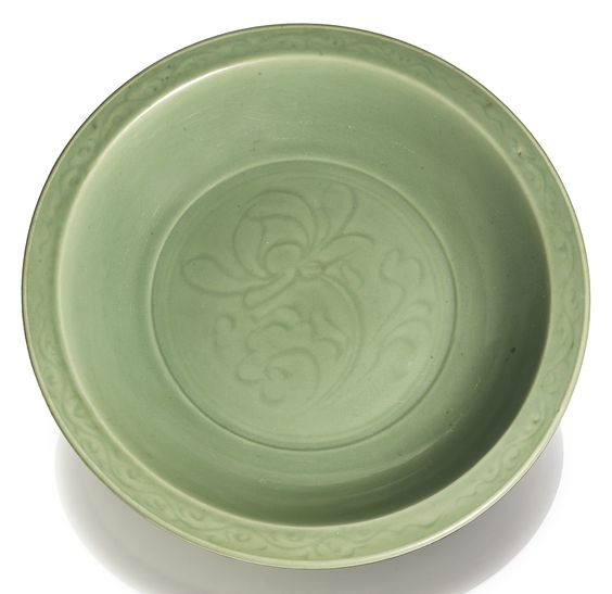 A large Longquan celadon-glazed 'lotus' dish, Ming dynasty, 15th-16th century
