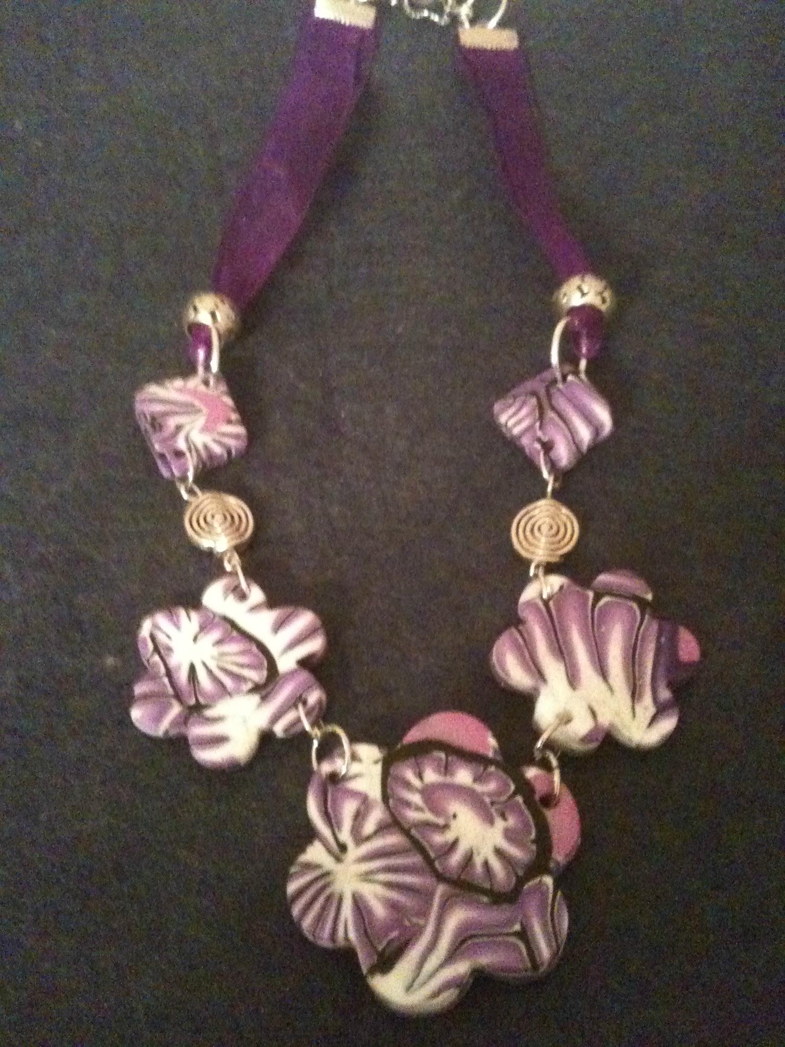 collier fleur de printemps