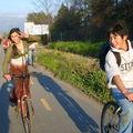 En bicicleta en la ciclo vía de la Compañía